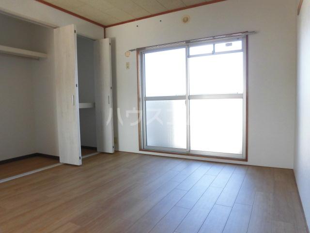 I・Tハイツ 301号室の居室