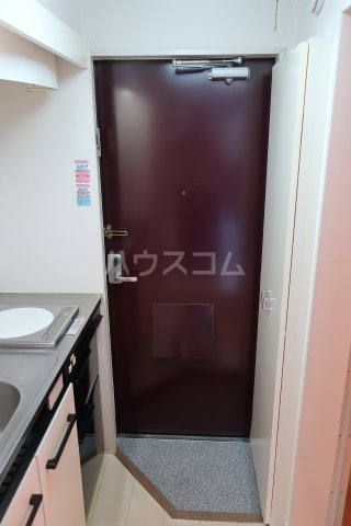 ボナール金山 105号室の玄関