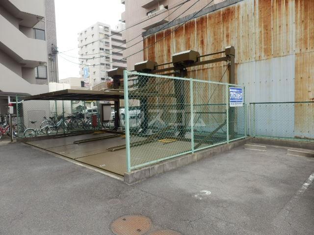 サングランメール 6A号室の駐車場