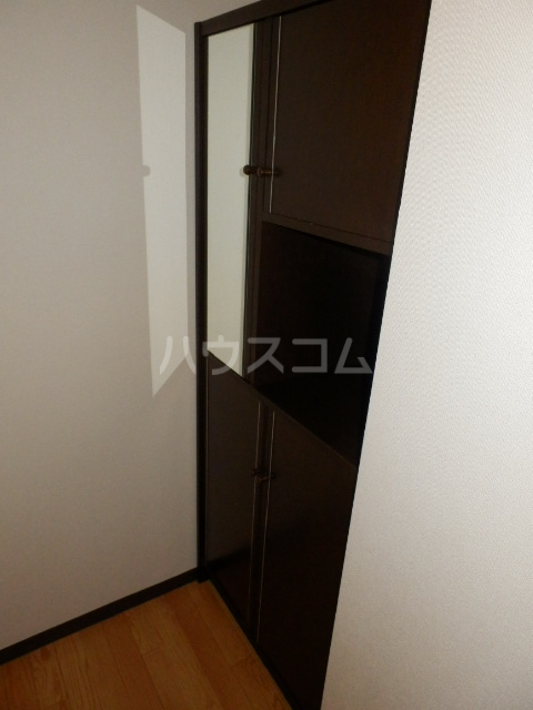サングランメール 6A号室の玄関