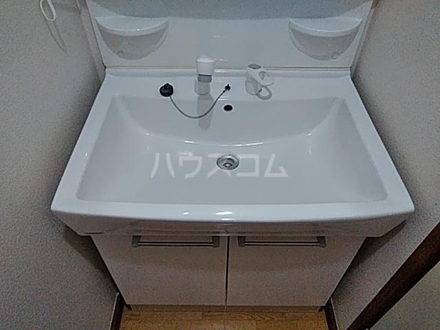 ベル&MKハイツ 302号室の洗面所