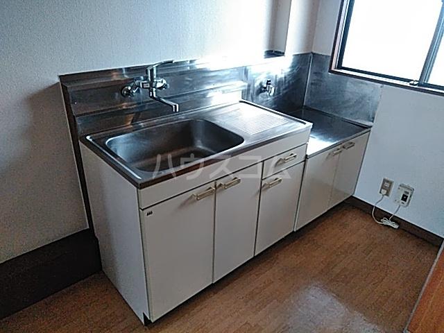 ベル&MKハイツ 302号室のキッチン