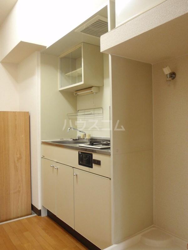 メゾンエクセルⅠ 202号室のキッチン