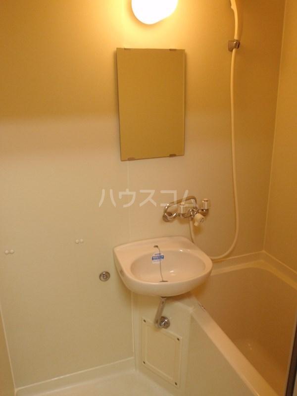 メゾンエクセルⅠ 202号室の洗面所