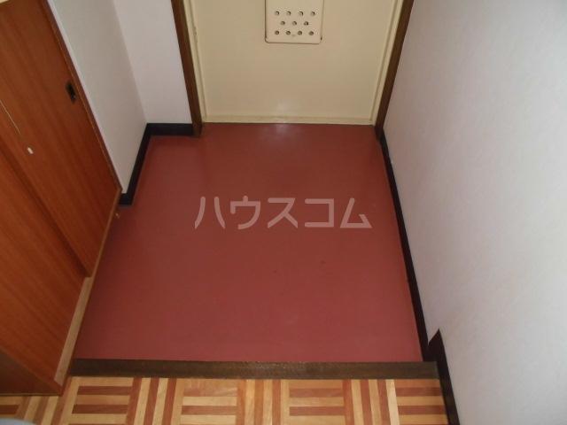 清水マンション 202号室の玄関