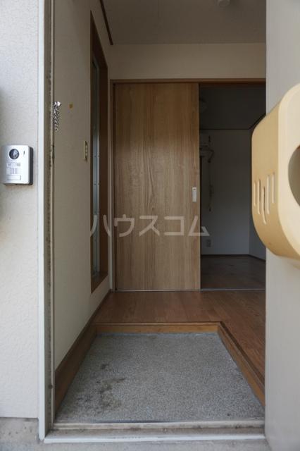 コーポすずらん 105号室の玄関