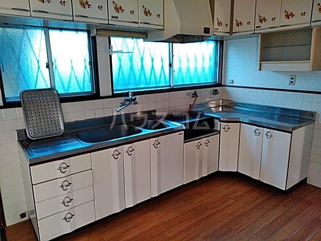 罧原町貸家のキッチン