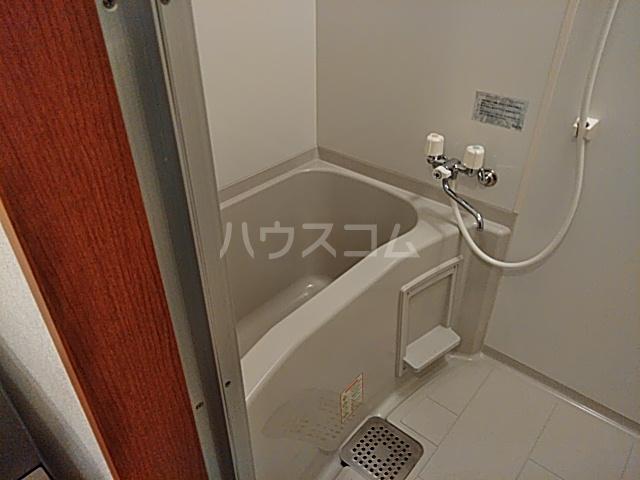 アルトシュロス四条大宮 205号室の風呂