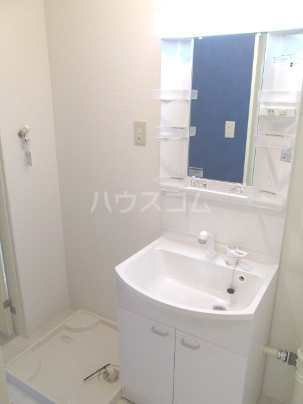マンションカメリアⅠ 103号室の洗面所