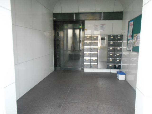 中川第6コーポ 605号室のエントランス