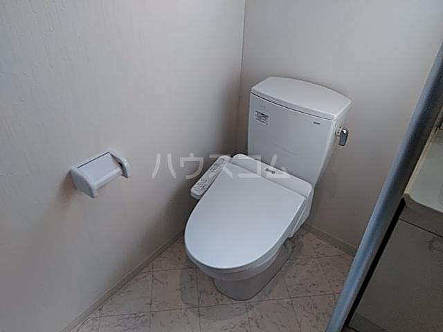 グラヴィス西院高辻 505号室のトイレ