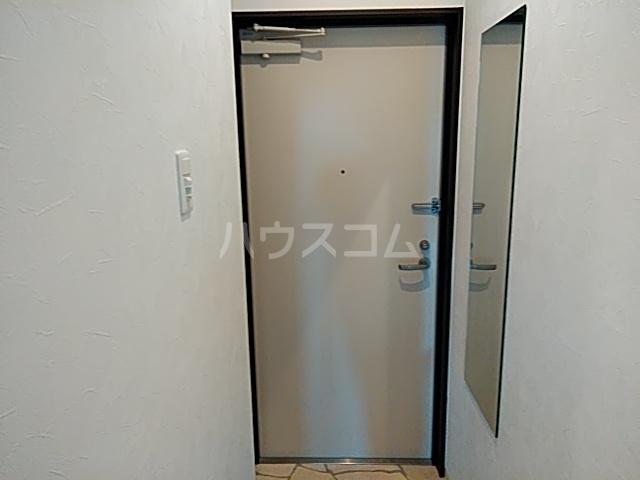 グラヴィス西院高辻 505号室の玄関