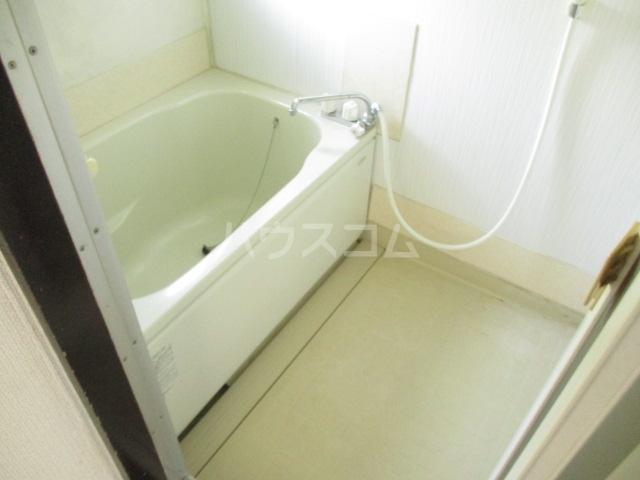 第二加藤ハイツ 202号室の風呂