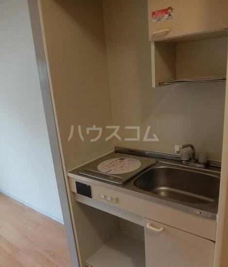 フレンドポート磯子第1 201号室のキッチン