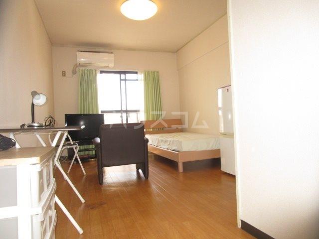 グレイス第3マンション 508号室のリビング