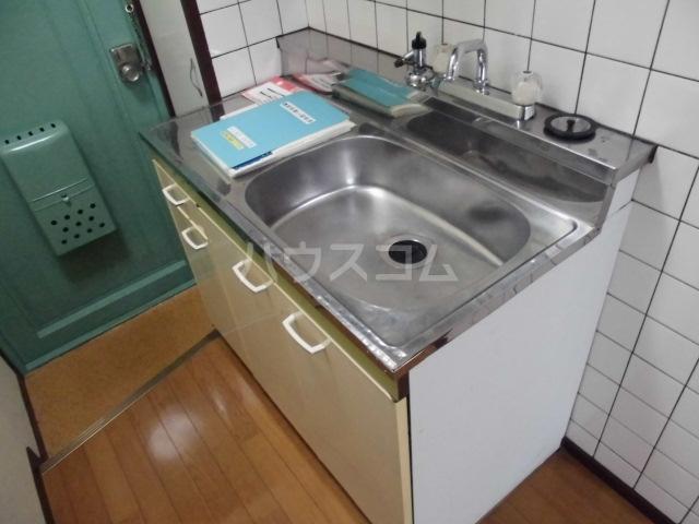 ドミ大田 405号室のキッチン