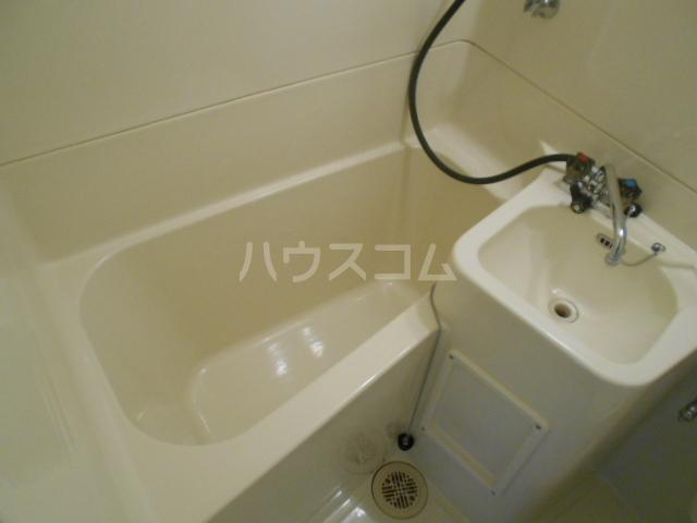 ドミ大田 405号室の風呂