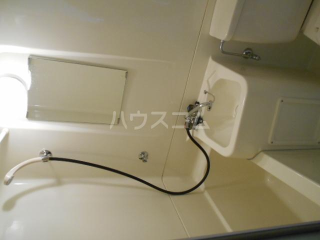 ドミ大田 405号室の洗面所