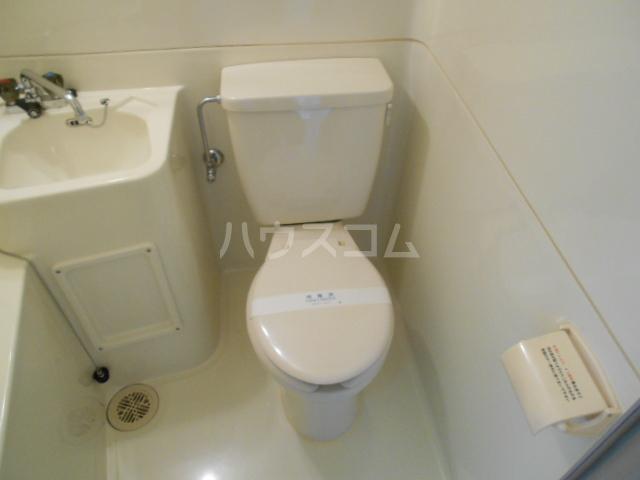 ドミ大田 405号室のトイレ