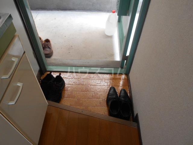 ドミ大田 405号室の玄関