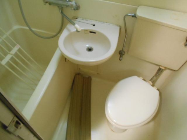 ハイツブルーム 203号室の風呂