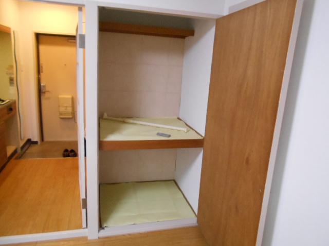 ハイツブルーム 203号室の収納