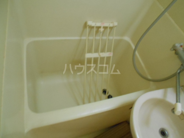 ハイツブルーム 302号室の風呂