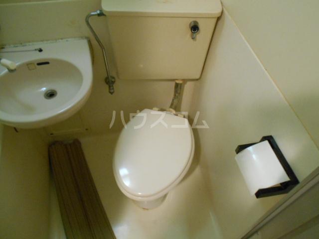 ハイツブルーム 302号室のトイレ
