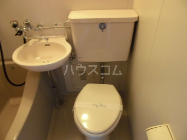ピノハウス 208号室のトイレ