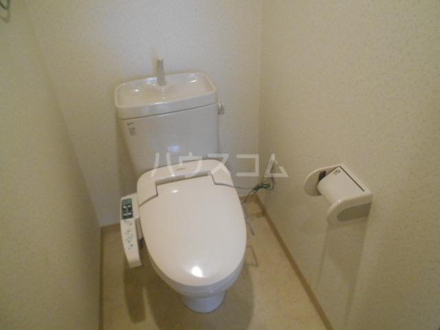アソルティ西院 302号室のトイレ