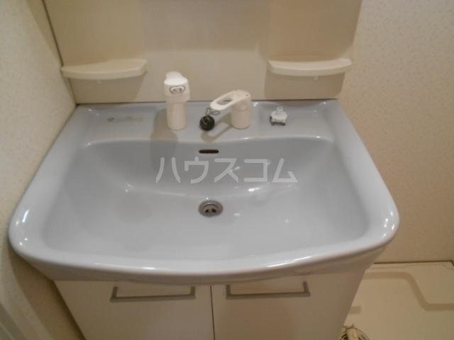アソルティ西院 302号室の洗面所