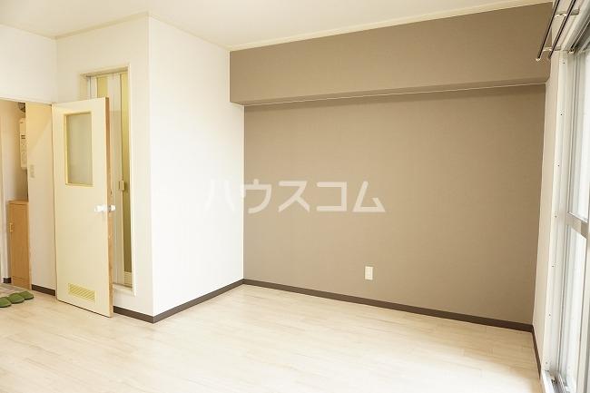 グレイス第1マンション 509号室のリビング