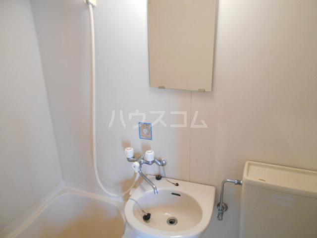 プランニングバンクビル西院 201号室の洗面所