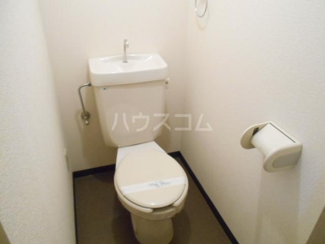 セントポーリア丸太町 301号室のトイレ