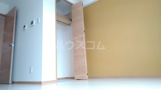With結 203号室の居室