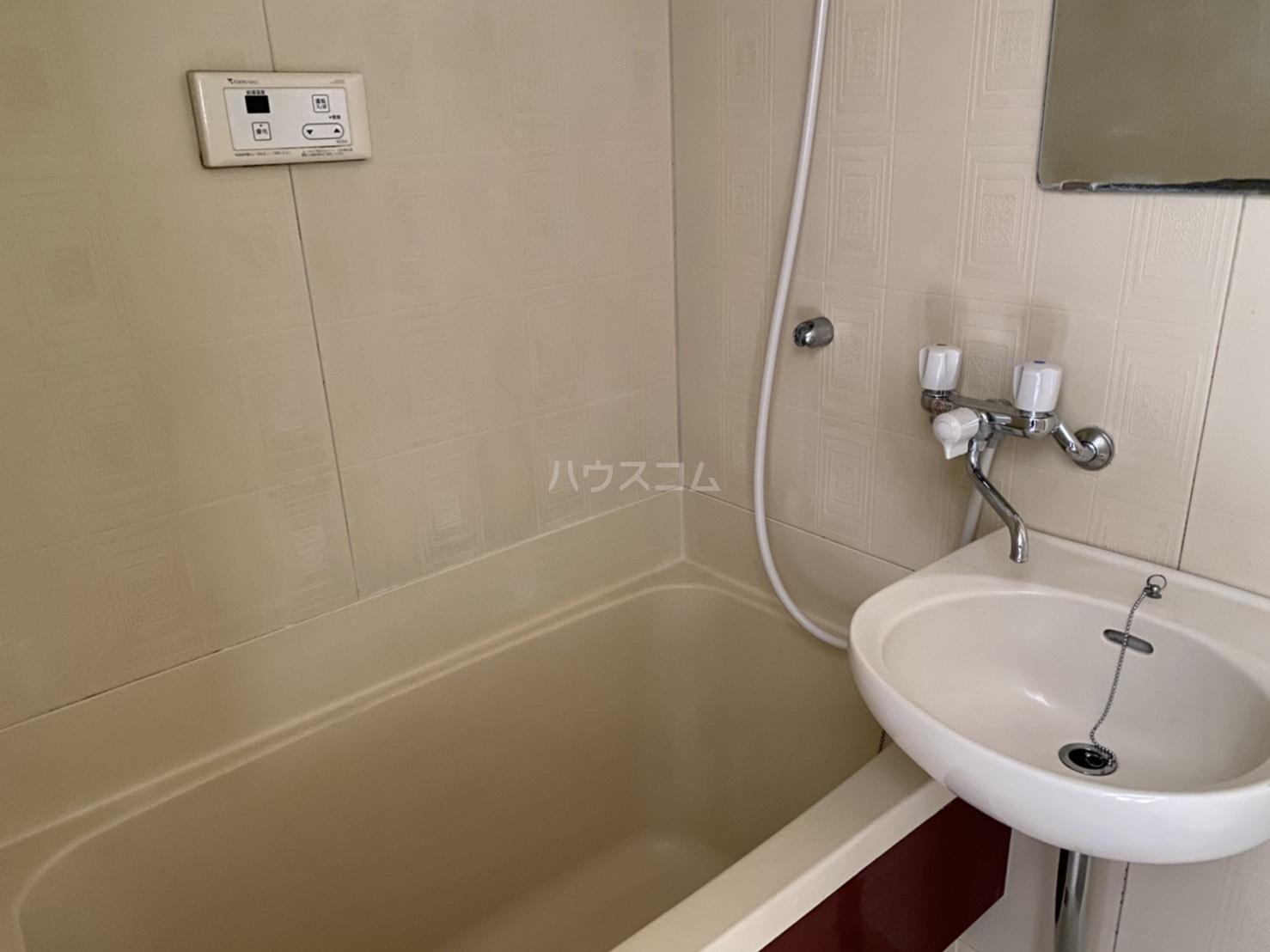 ベイヒル 202号室の風呂