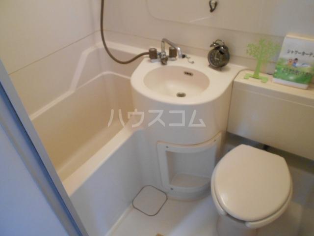 メゾンジュネス 202号室の風呂