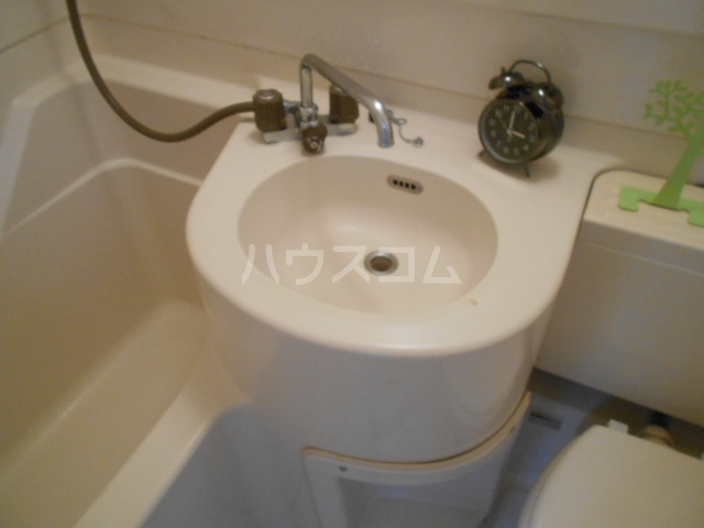 メゾンジュネス 202号室の洗面所