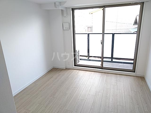 エステムコート京都西院 313号室のリビング