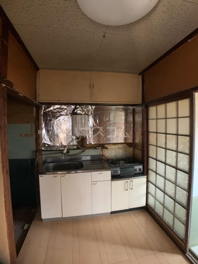 春日井上ノ町貸家のキッチン