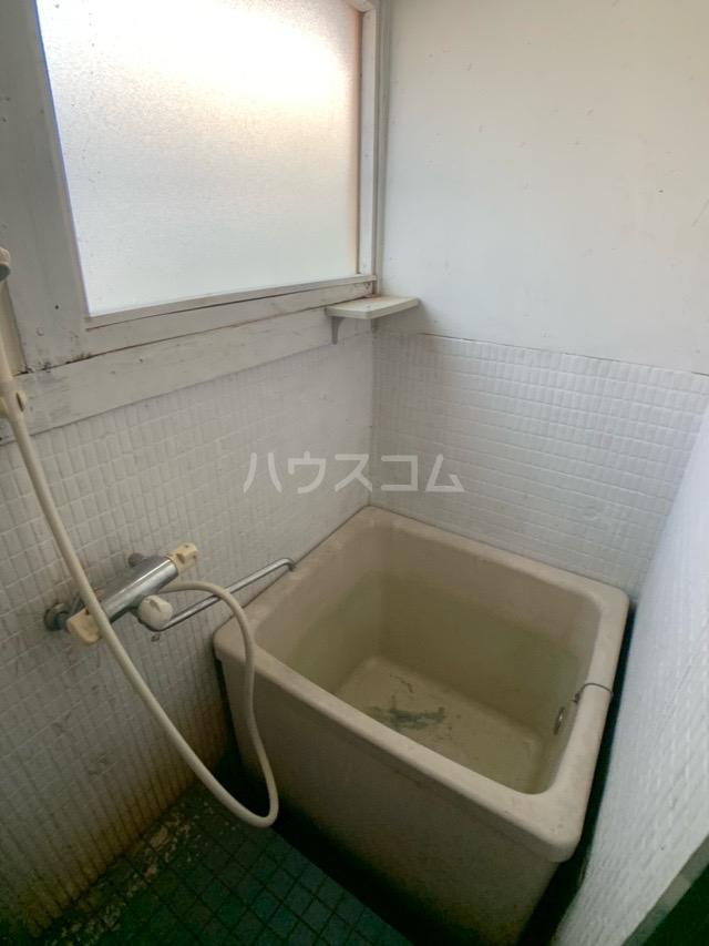 春日井上ノ町貸家の風呂