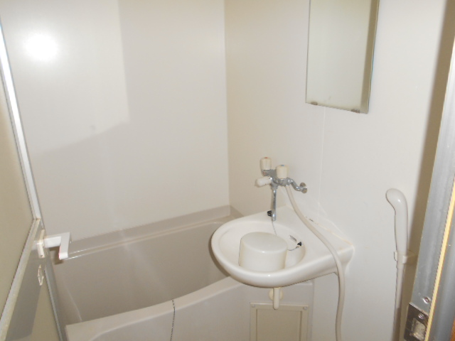 CASA井 3-B号室の風呂