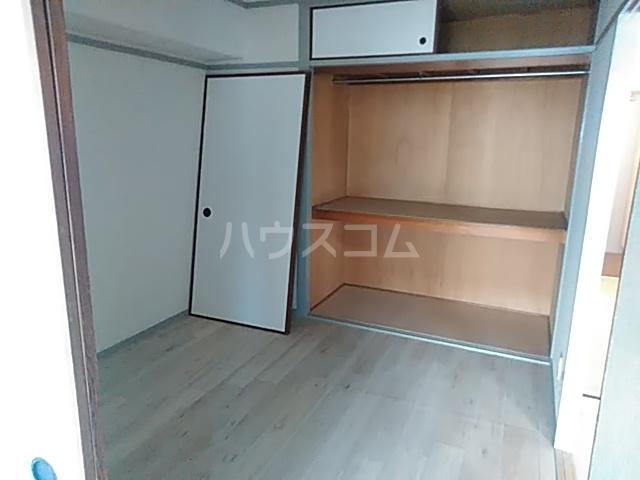 グリシーヌ京都西京極 1004号室の玄関