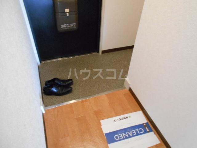 エスパシオ石田 301号室の玄関