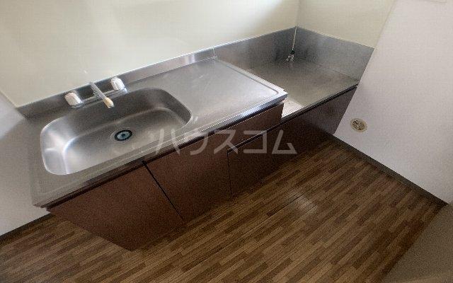 KⅢアパート 105号室のキッチン