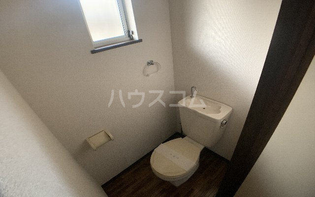 KⅢアパート 105号室のトイレ