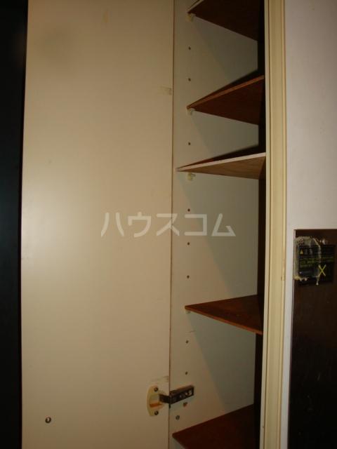 パレス高畑 203号室の収納