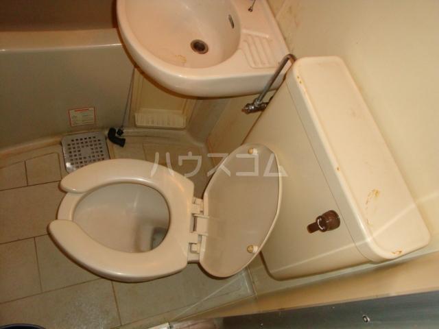 パレス高畑 203号室のトイレ