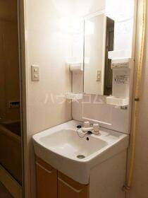 レジデンス平塚 504号室の洗面所