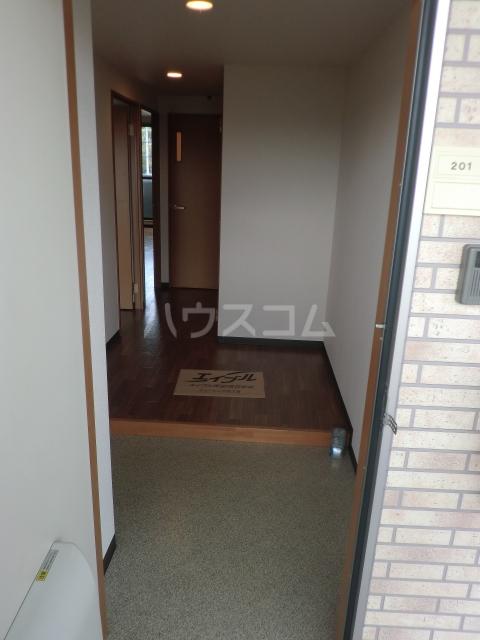 パストラルM 201号室の玄関
